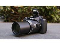 Nikon P600 plus case and extra batteries - 60x zoom - 16.1MP - WiFi