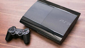 PlayStation 3 Super Slim 465GB + controller + remote + FF XIII