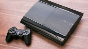Sony Ps3 slim plus 2 controllrs 8 gms +move controllers