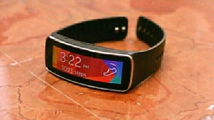 SAMSUNG GEAR FIT WATCH FOR SALE PERFECT CONDITION 90$