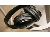 BOSE QC35 noise cancelling headphones in BLACK