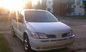 2004 Oldsmobile Silhouette Minivan, Van