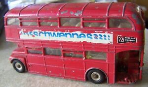 DINKY ROUTEMASTER BUS