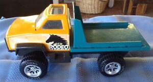 TONKA WILD RODEO METAL AND PLASTIC TRUCK WHITH DUMPING BED Gatineau Ottawa / Gatineau Area image 4