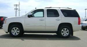 2011 GMC Yukon SLT 4x4  169,990km  7 Passenger, Heated Leather