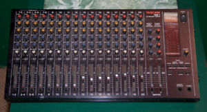 Console Tascam MM1