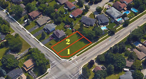*Rare* 2 Executive City of Waterloo Lots. Build your dream home!