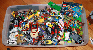 Lot of Assorted Lego Sets & Pieces 20lbs