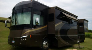 FOR SALE 40FT Winnebago TOUR Motorhome / diesel w/4 SIDES!