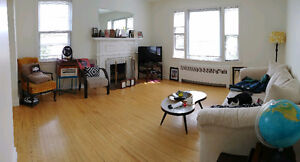 2BEDROOM+DEN: MID-TOWN Halifax.You Get the ENTIRE 2nd FLOOR FLAT