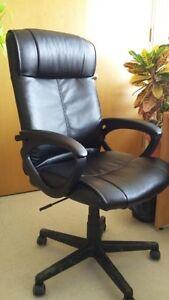 Chaise de bureau presque neuve