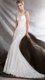 Stunning Pronovias 2017 collection Osini Lace Wedding Dress, Size 8