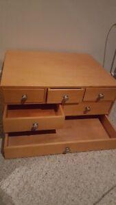 6 compartment jewellery box Kingston Kingston Area image 1