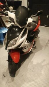 scooter kymco super 8      2011
