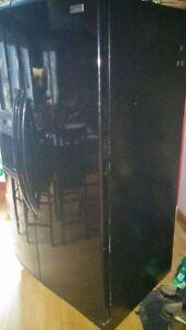 Refrigerator Cornwall Ontario image 2