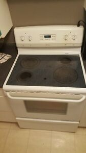 White Fridgidare Smooth Top Stove - Works Great -  Only $250.