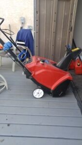 """Toro 21"""" snow blower used less than a month"""