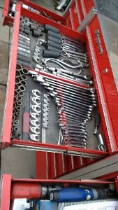 snap-on tool box 8500.00$ for body work   coffre outils