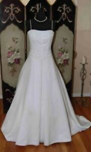 Like new wedding dress, size 12, free