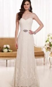 Brand New Essence of Australia Lace Bridal Gown