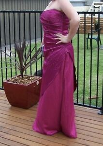 3 Formal dresses $80 each Windale Lake Macquarie Area Preview