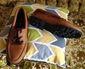 New Sperry Boat style shoes LEATHER
