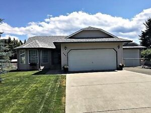 DON'T MISS THIS ONE..!!! LARGE 5 BDRM FAMILY HOME..!