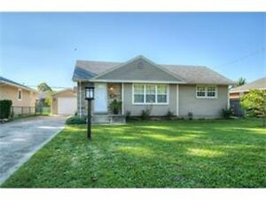 North St Catharines Cute Bungalow in much sought after area