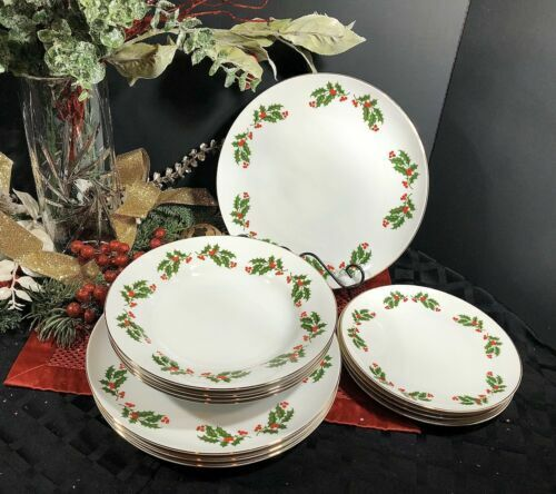"""""""Christmas Holly"""" Holiday Dishes Kashima """"All the Trimmings"""" - 12 Dinner pieces"""