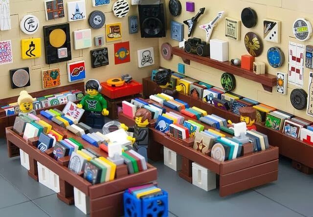 RECORDS AND TOYS FROM HOLLAND