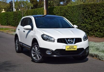 2012 Nissan Dualis J10W Series 3 MY12 Ti Hatch X-tronic 2WD White 6 Speed Constant Variable