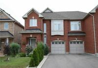 IMMACULATE HOME IN A GREAT NEIGHBOURHOOD BORDERING MISSISSAUGA