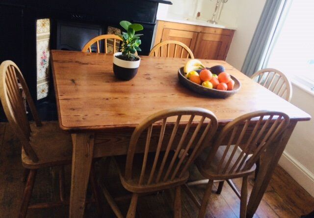 Pine Dining Room Table With Spacious Drawers At Both Ends And 6 Chairs
