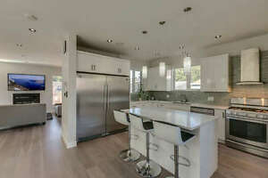 Stunning Contemporary Custom Home North Shore Greater Vancouver Area image 3