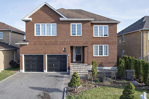 WHITBY ALL BRICK WITH ***BASEMENT ENTRY***!  4+2 BEDROOM
