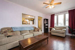 4 BEDROOM, 3 BATHROOM, 1 1/2 STOREY HOME IN EAST LONDON! London Ontario image 2