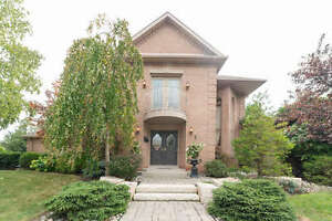 Stunning 4 Bedroom Home in Woodbridge! 6 Colton Crescent South