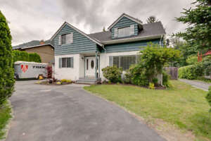 Charming 4-bed home in Brackendale