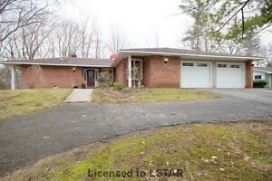 10349 Riverside Dr Grand Bend