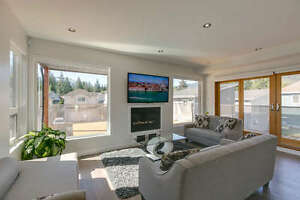 Stunning Contemporary Custom Home North Shore Greater Vancouver Area image 2