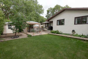 REDUCED! 229 MacMurchy Ave - House for sale in Regina Beach
