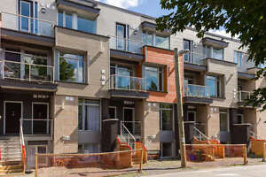 NOT ON MLS - Brand new 2 bedroom, 3 bath townhome at Lansdowne
