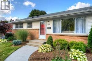 Attention First Time Buyers & Investors, This Rarely Offered!