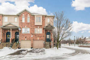 Open House Jan 20th - End Unit Townhome in Downtown Whitby!