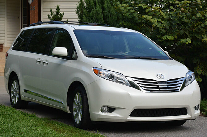 top 6 features that make the 2012 toyota sienna a great family car ebay. Black Bedroom Furniture Sets. Home Design Ideas