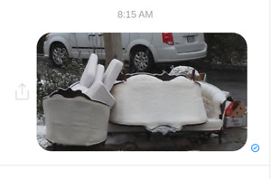 Trade victorian replica couch set put out just b4 snow fall free