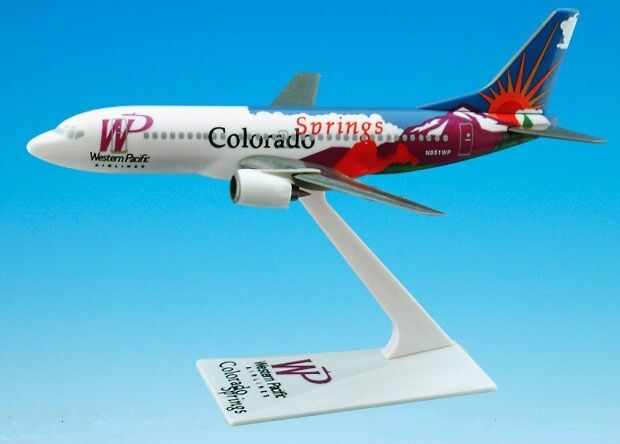 WESTERN PACIFIC AIRLINES COLORADO SPRINGS Boeing 737-300 DESK MODEL
