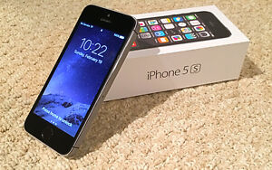 iPhone 5S 32G MINT CONDITION!