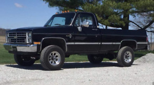 WANTED 1980's 1970's Chevy GMC 4x4 truck