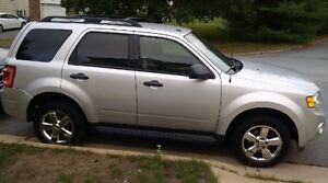 2009 Ford Escape AWD Needs Nothing!